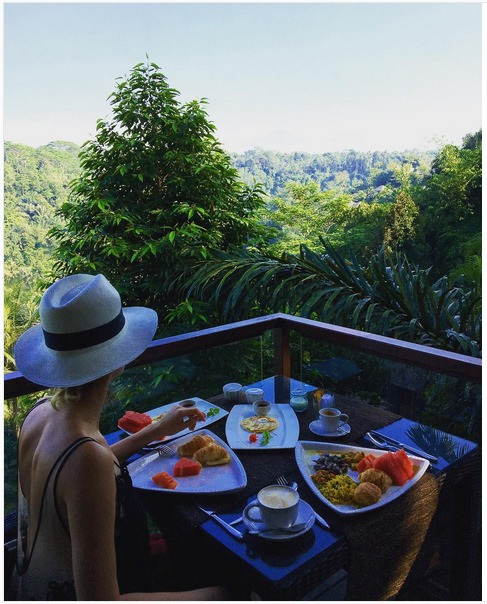 Breakfast with a Spectacular View